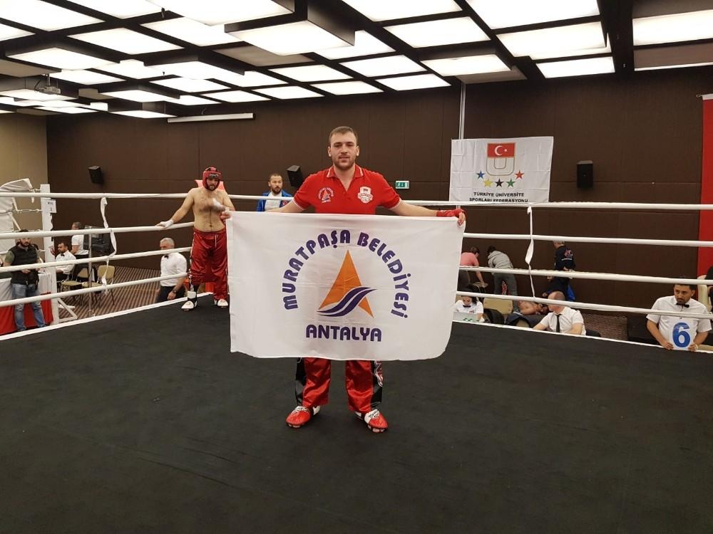 Kick Boks şampiyonu Muratpaşa'dan