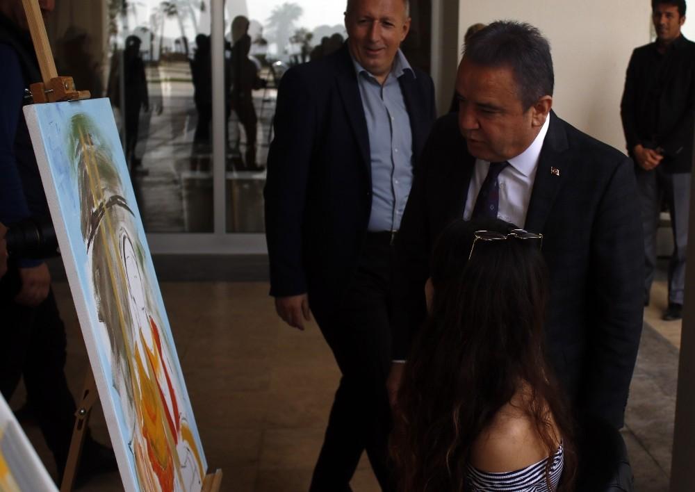 Konyaltı Belediyesi'nden 'Güç ve Kadın' temalı resim yarışması