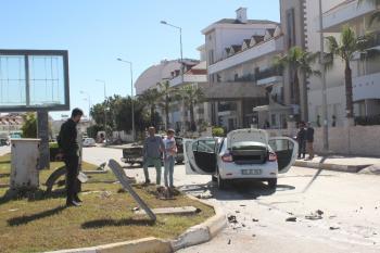 Manavgat'ta iki aracın çarpıştığı kaza ucuz atlatıldı