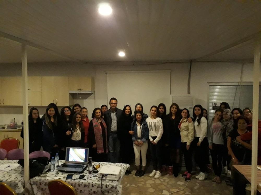 Muratpaşa Gençlik Evi'nde eğitim programları