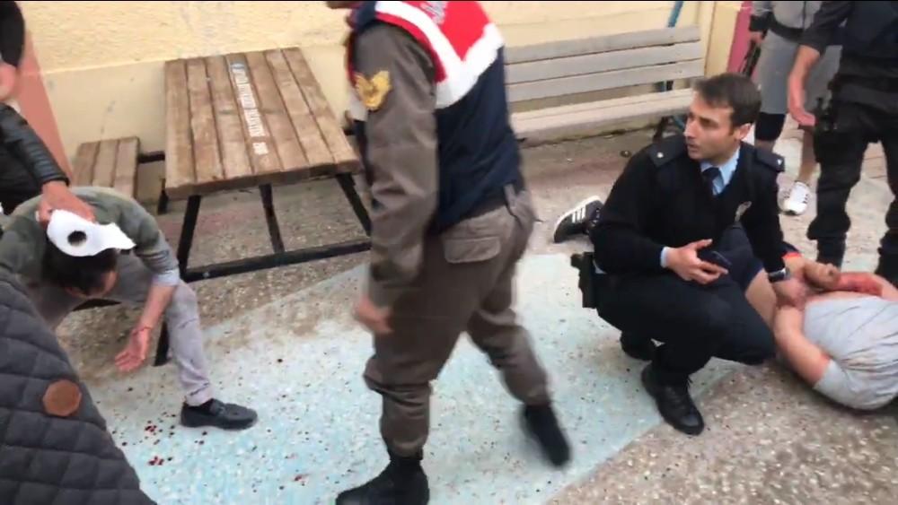 Polisin ikna etmeye çalıştığı genç, av tüfeğiyle ortalığı birbirine kattı