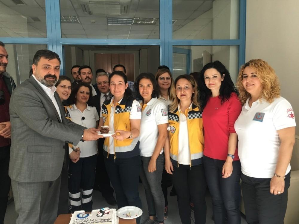 Sağlık Sen'den ATT'lere pastalı kutlama