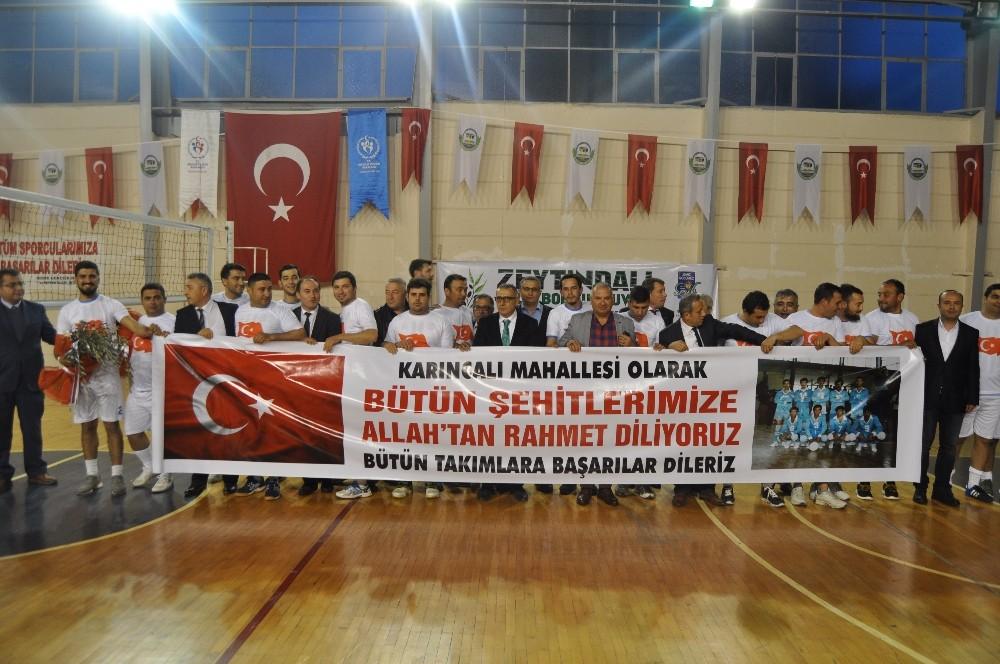 Serik'te Şehitler Anısına Voleybol Turnuvası