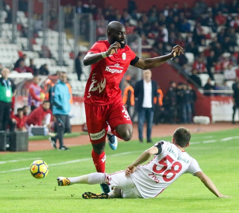 Süper Lig: Antalyaspor: 1 – Demir Grup Sivasspor: 4 (Maç sonucu)