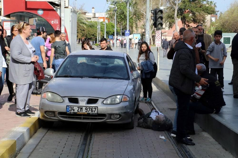 Tramvay yolundaki kazaya sadece tramvay karışmadı