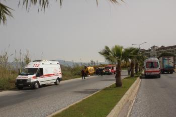 Turistleri taşıyan araç devrildi: 2 yaralı
