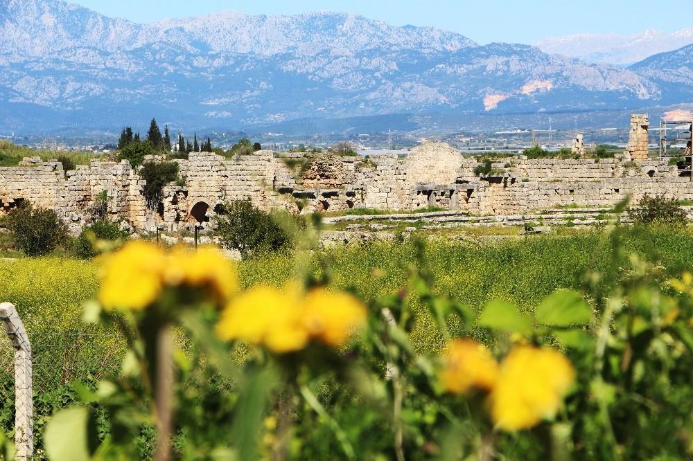 5 bin yıllık tarihi kent yeşil çevresiyle ziyaretçileri büyülüyor