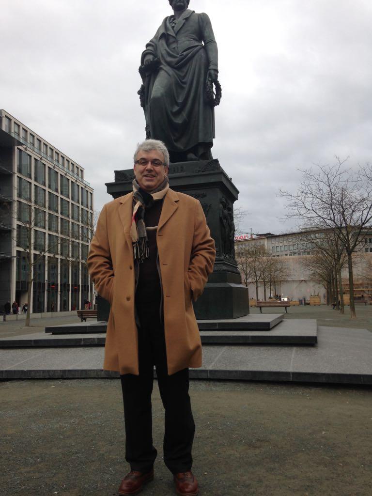 İş adamı Mehmet Aziz Başer'den Huzurevine Ziyaret