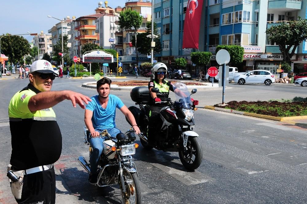 Alanya polisinden motosiklet denetimi