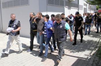 Alanya'da aranan 21 şüpheli eş zamanlı operasyonla yakalandı