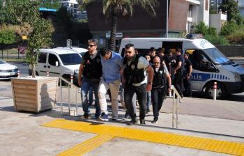 Alanya'da gözaltına alınan 8 torbacı adliyede