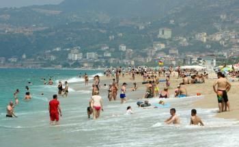 Antalya Nisan'a rekorla girdi