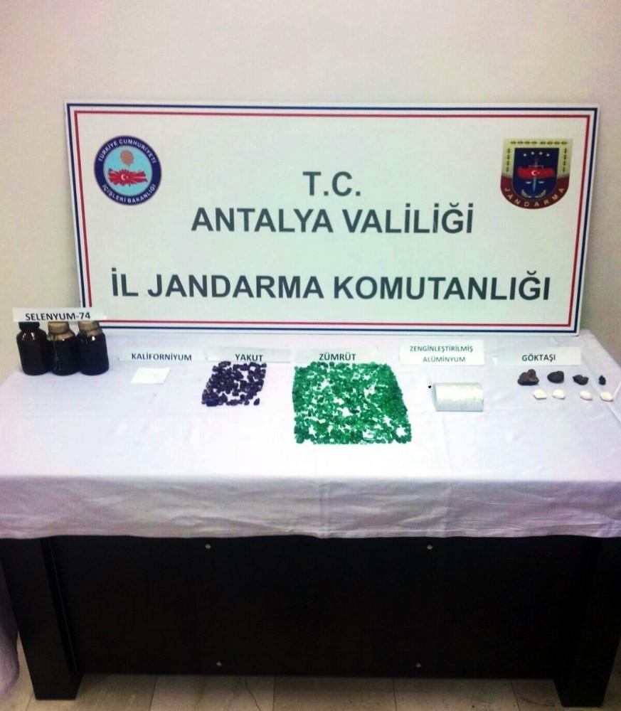 Antalya'da 20 milyon dolarlık füze yapımında kullanılan selenyum-74 ile zenginleştirilmiş alüminyum ele geçirildi