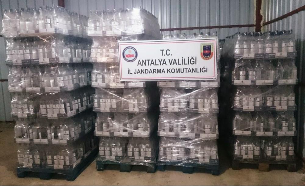 Antalya'da 21 bin litre etil alkol ele geçirildi