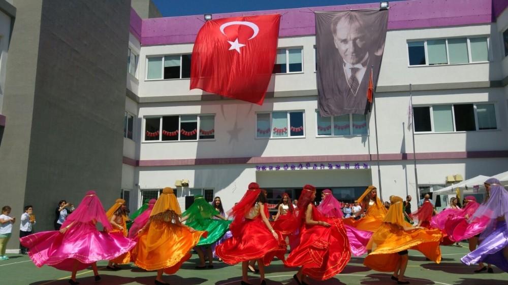 Antalya'da 23 Nisan kutlamaları