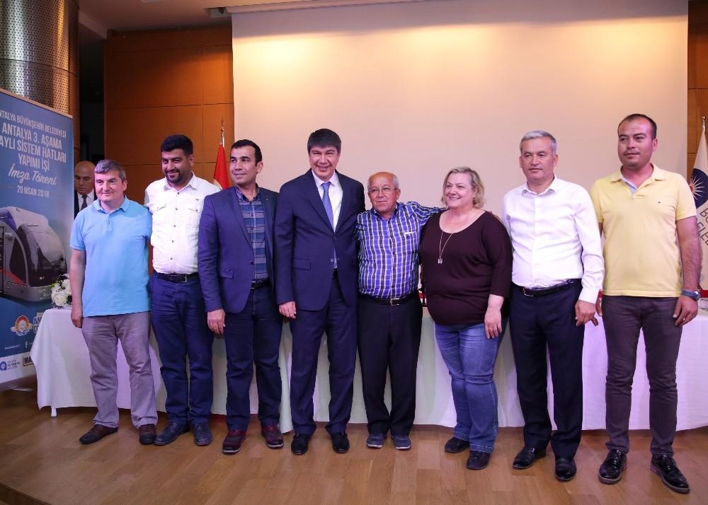 Antalya'da 25 kilometrelik 3. Etap Raylı Sistem için imzalar atıldı