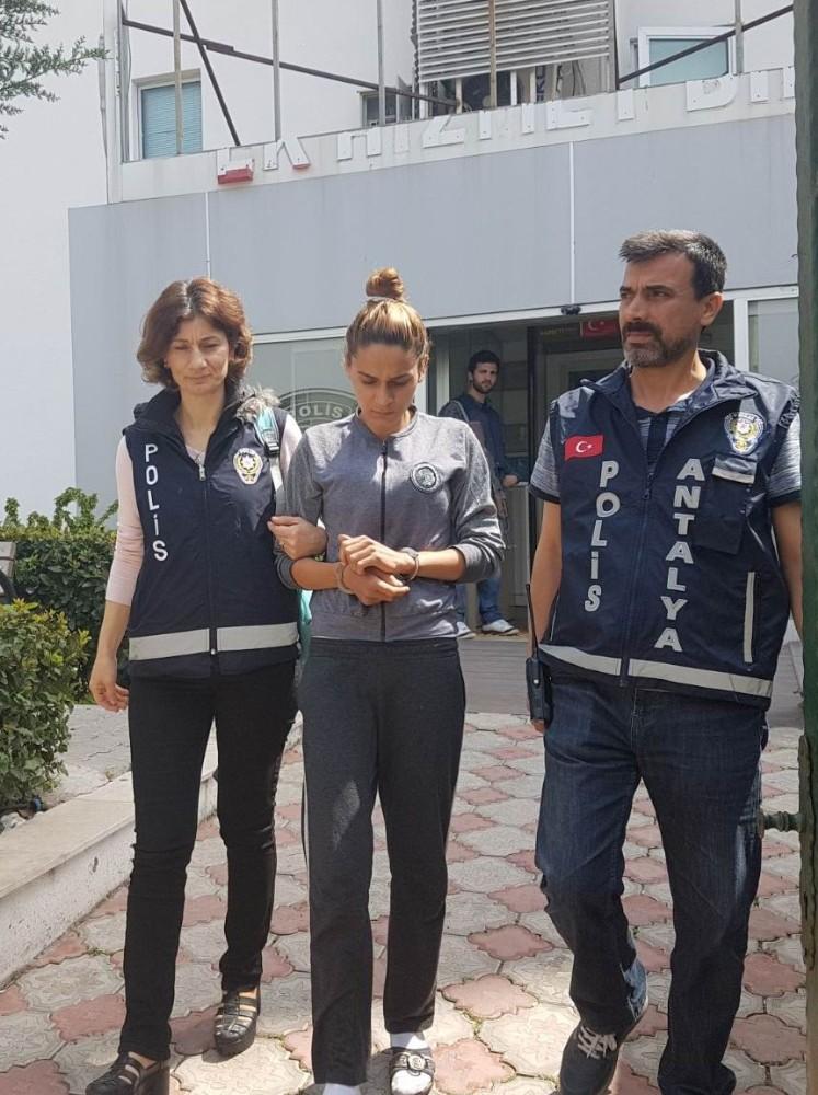 Antalya'da 3 aylık bebekle hırsızlık