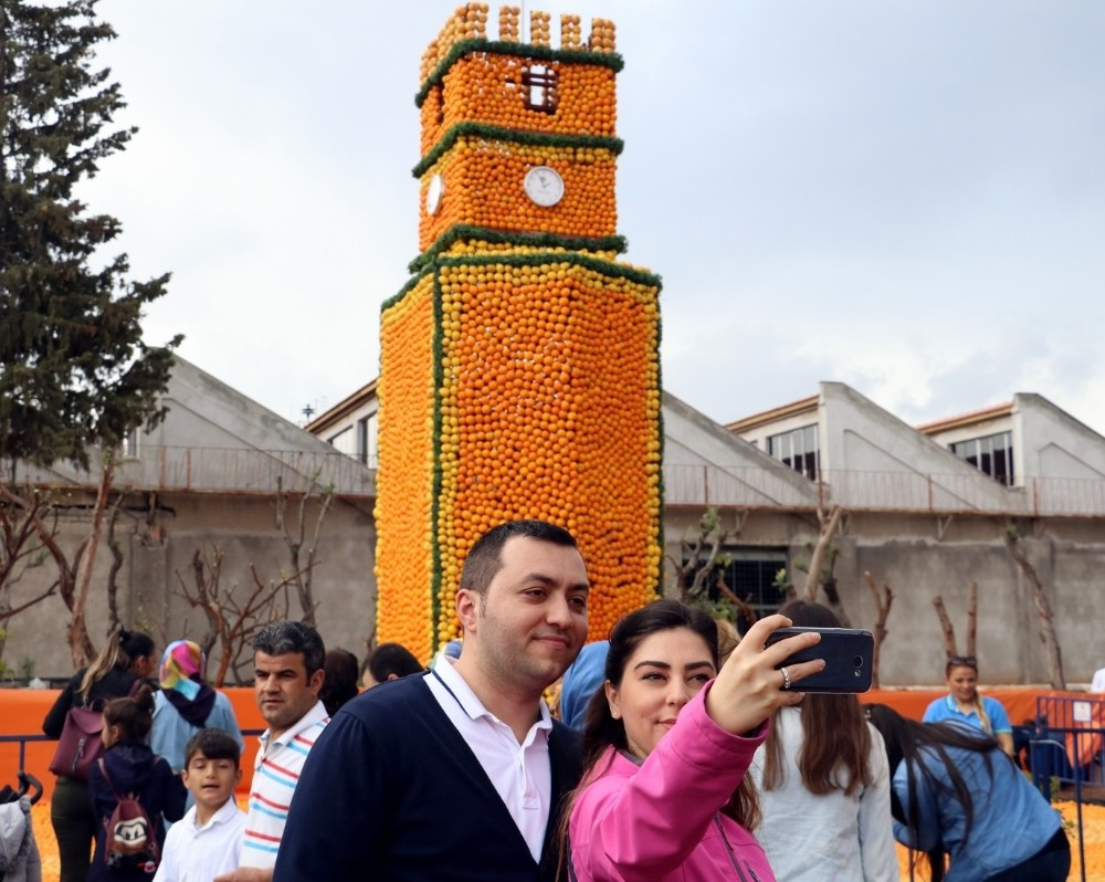 Antalya'da 50 ton narenciyenin kullanıldığı Portakal Çiçeği Festivali başladı