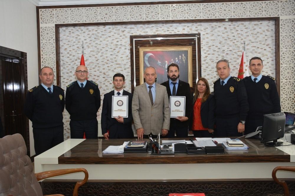 Antalya'da Ayın Polisleri Ödüllendirildi