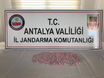 Antalya'da bin 468 adet sentetik uyuşturucu ele geçirildi