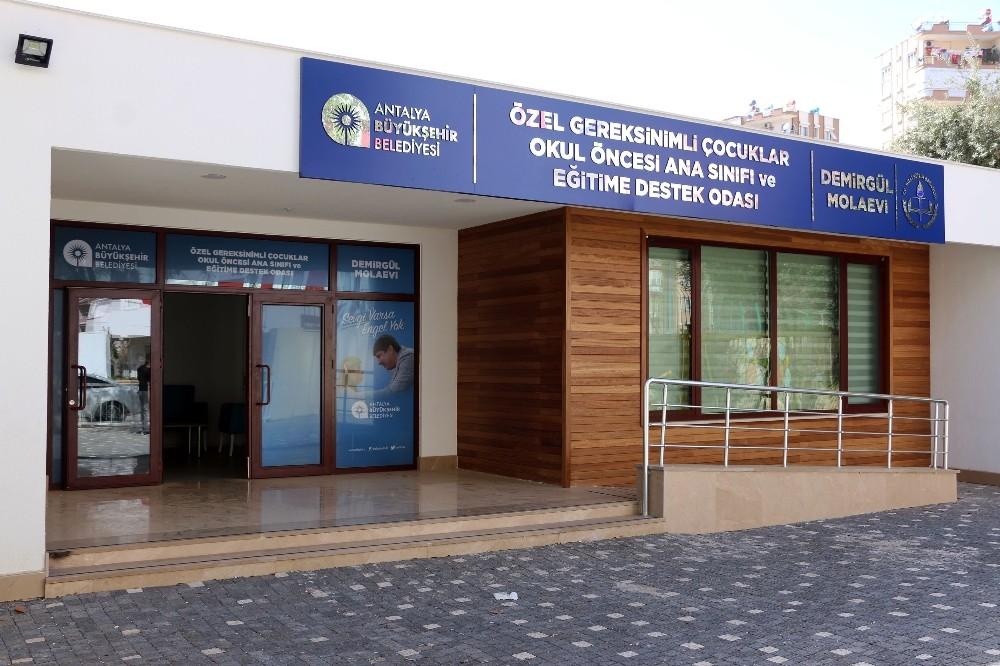 Antalya'da Engelli ailelerine Mola Evleri