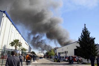 Antalya'da lüks yatların üretildiği serbest bölgede yangın: Zarar 40 milyon dolar