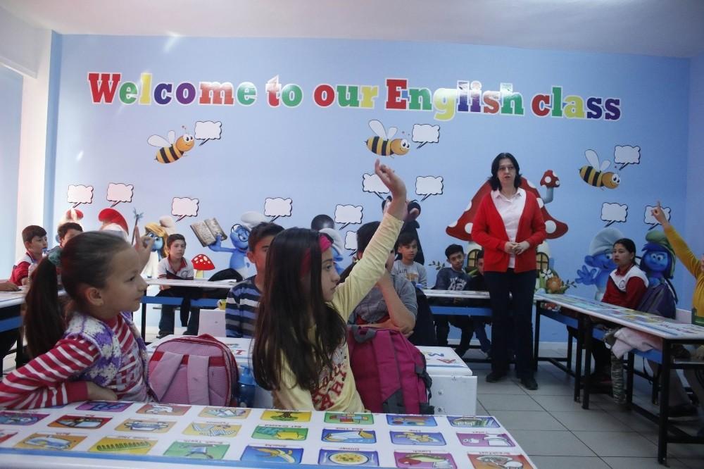 Antalya'da yaşayan ilkokul