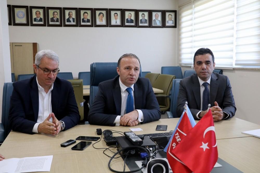 AÜ Hastanesi borçlarına 200 milyon lira destek