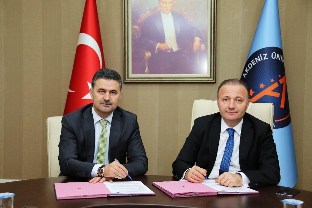 AÜ ile Milli Eğitim arasında iş birliği protokolü