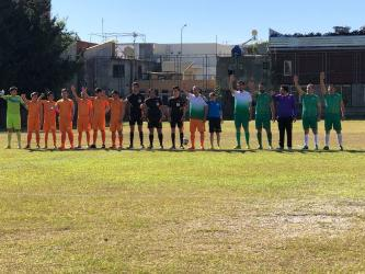 Bakan Çavuşoğlu, lise öğrencileriyle futbol maçı yaptı