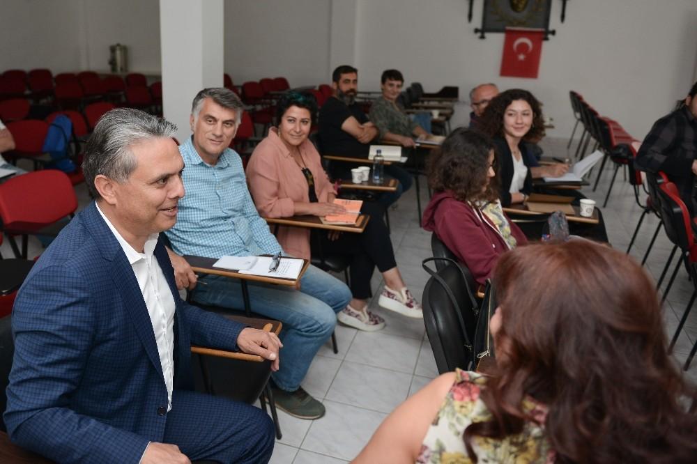 Başkan Uysal, 'Öykü Atölyesi'nde yazarlık serüvenini paylaştı