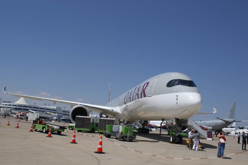 Dünyada sadece bir tane olan olan dev Katar uçağı kapılarını açtı