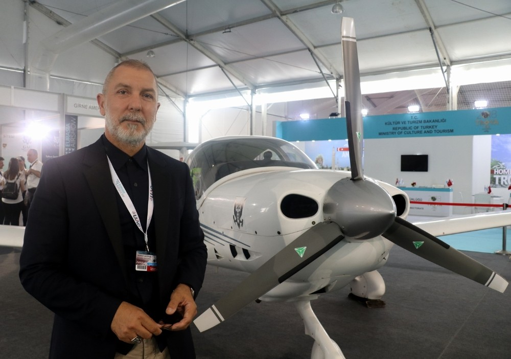 GAÜ, Eurasia Airshow'a yeni nesil eğitim uçağı DA40 ile katıldı