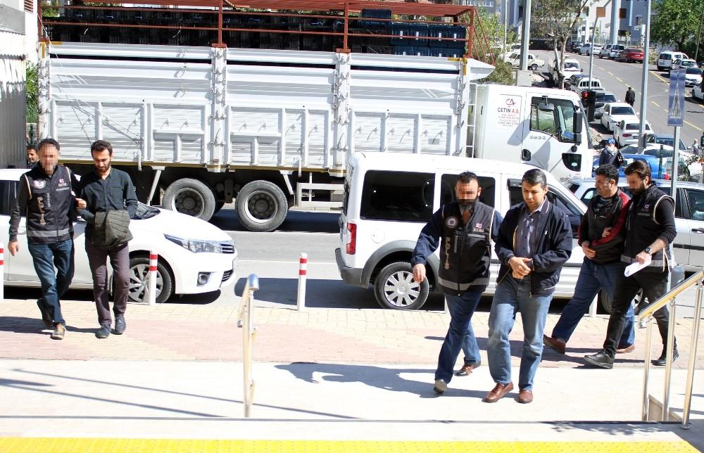 Gözaltına alınan FETÖ şüphelileri adliyede