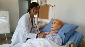 Hemşire adaylarının ilk hastane deneyimi