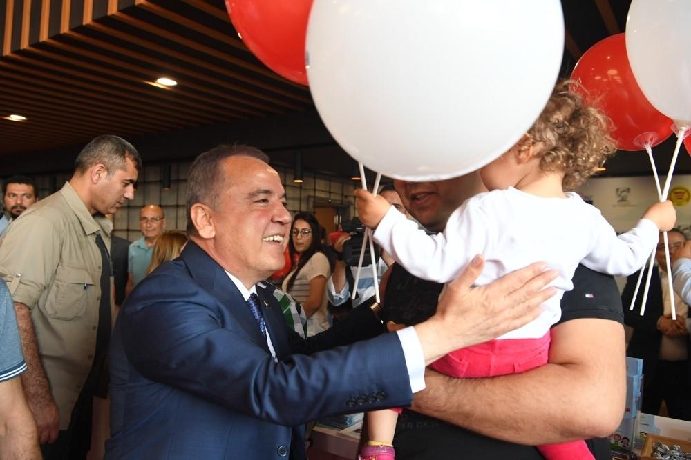 Konyaaltı Mutlu Çocuk Fuarı açıldı