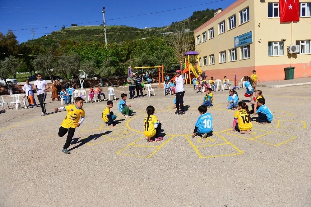 Kumluca'da Çocuk Oyunları Şenliği başladı