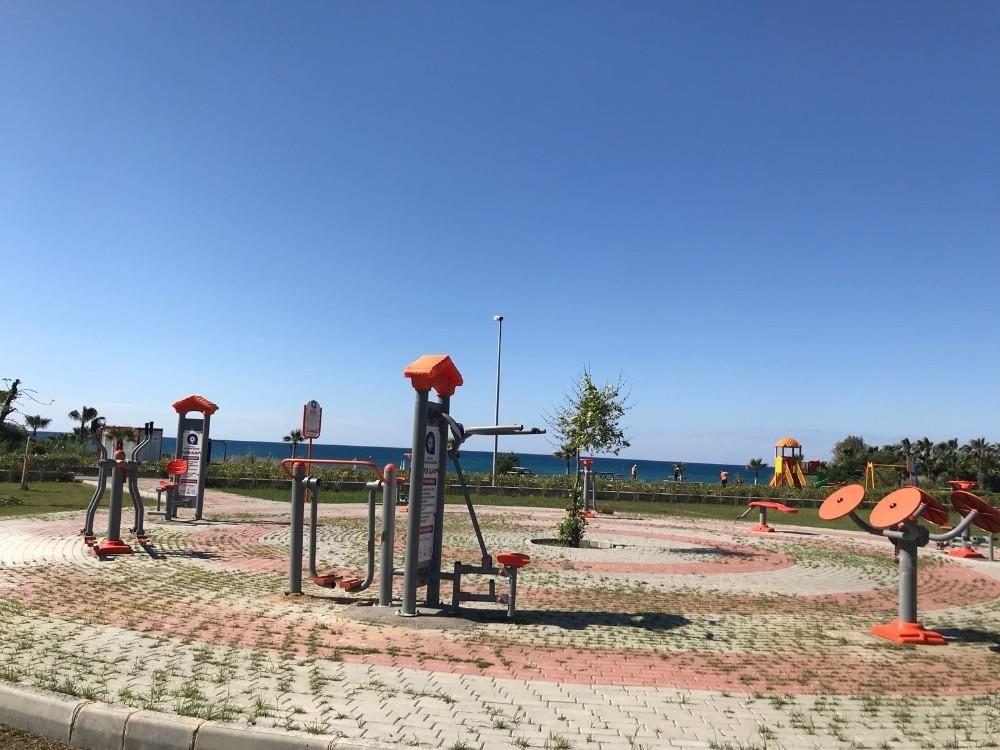 Manavgat-Çolaklı sahilinde oyun parkı ve spor aletleri yenilendi