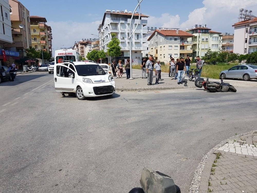 Manavgat'ta meydana gelen trafik kazalarında 1 kişi yaralandı