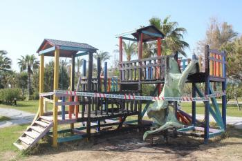 Manavgat'ta oyun parkı yandı