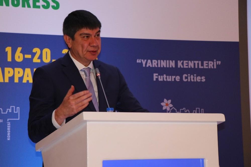 """Menderes Türel: """"Sağlıklı bir çevre, sağlıklı bir şehir olması kaçınılmaz bir gerekliliktir"""""""
