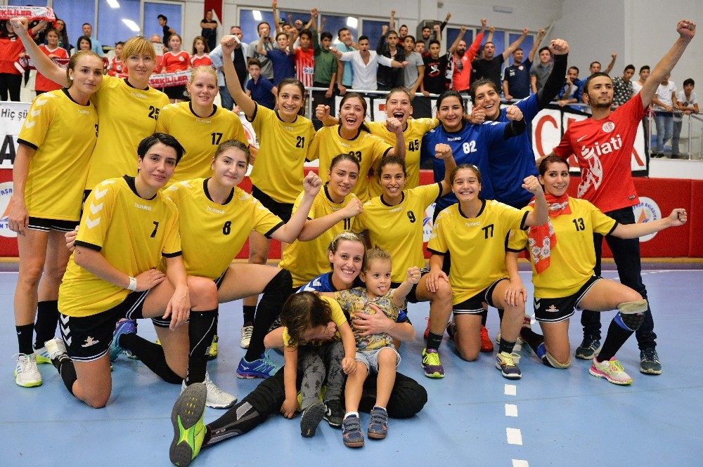 Muratpaşa Süper Lig şampiyonu