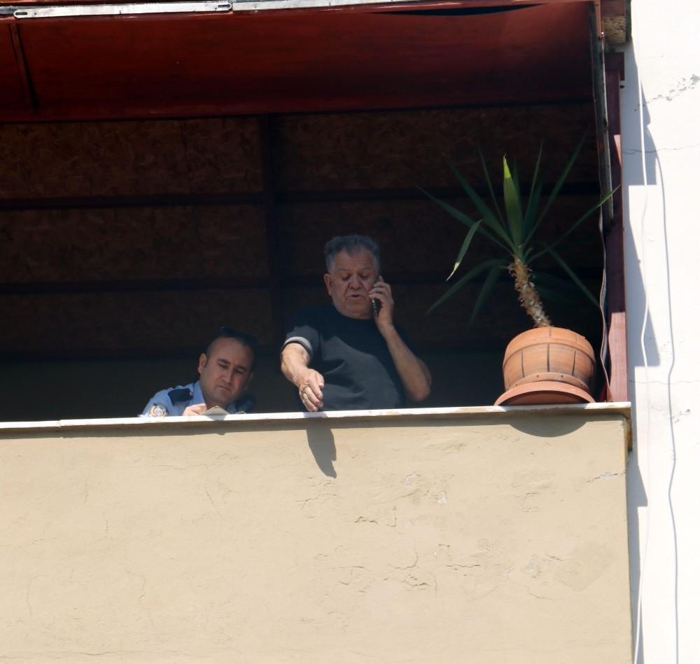 'Oğlum evde yok' diye polisi aradı, terastan bakınca cesedini gördü
