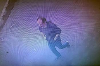 Oğlunun boncuk atan oyuncak tabancasıyla banka soymaya kalktı