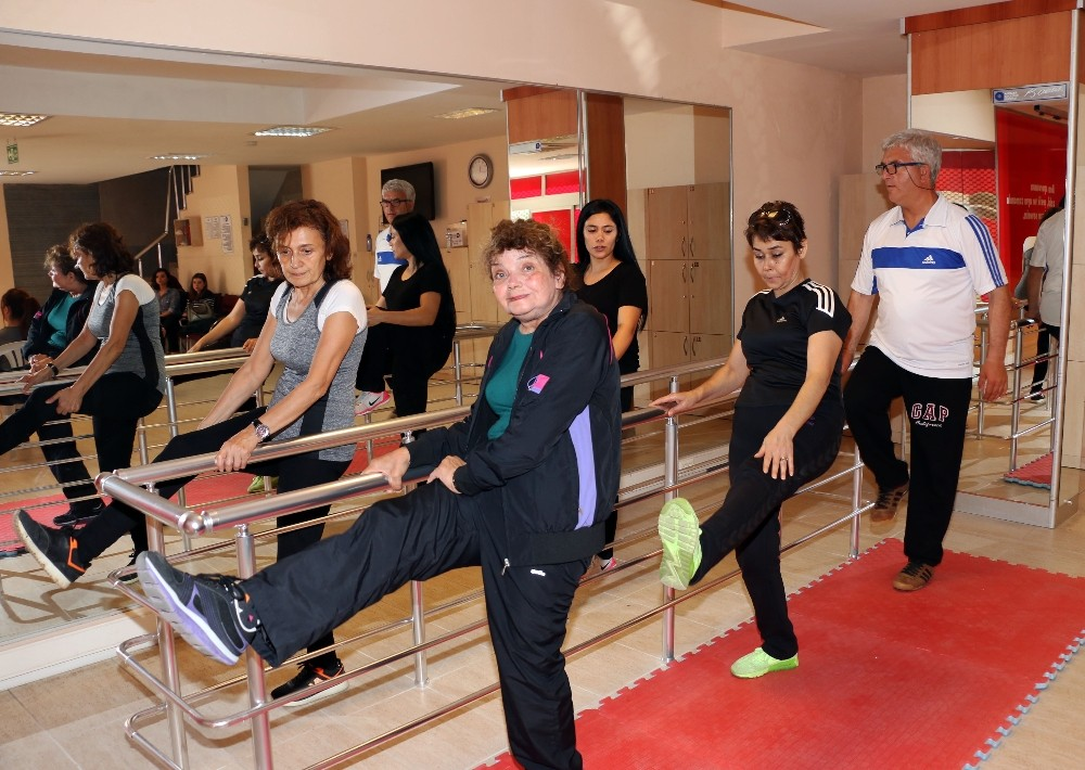 Parkinson hastaları için özel program