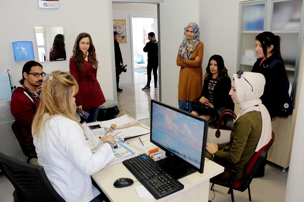 Şehit Dr. Atilla Nizam Sağlıklı Hayat Merkezi şifa dağıtıyor