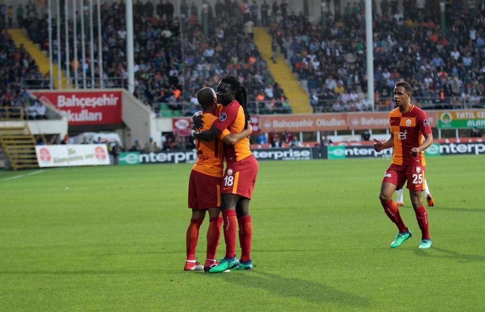 Spor Toto Süper Lig: Aytemiz Alanyaspor: 1 – Galatasaray: 2 (Maç devam ediyor)