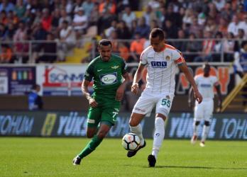 Spor Toto Süper Lig: Aytemiz Alanyaspor: 2 – Teleset Mobilya Akhisarspor: 0 (İlk yarı)