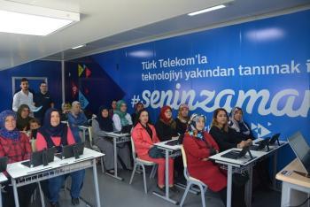 Türk Telekom'dan Korkutelili kadınlara teknoloji eğitimi