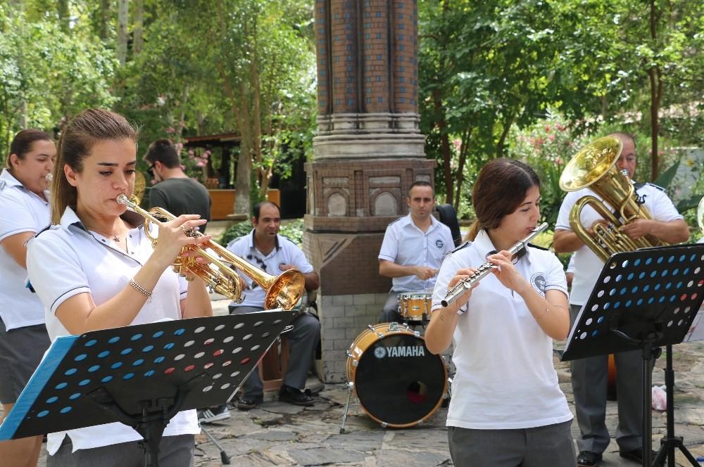 19 Mayıs coşkusu Düden'de ses buldu